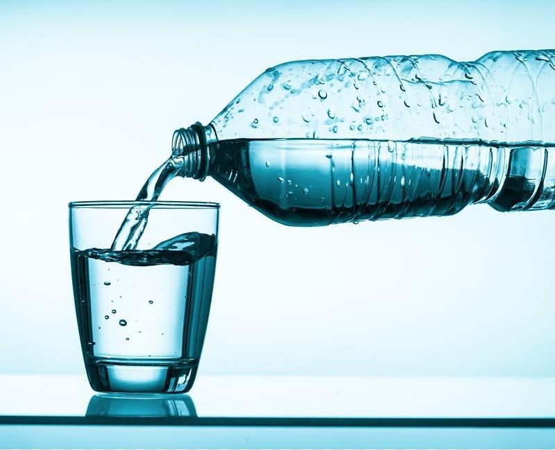 Нужно ли выпивать 2 литра воды в день? Выясняем актуальность данного утверждения